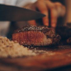 What makes a good cook steak knife?